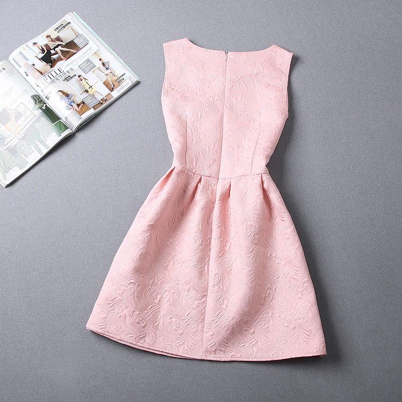 fcd6b3eda Krásne ružové vintage šaty veľkosti M na predaj. Predávam z dôvodu, že  obvod hrudníka je mi malý. Sedia skôr S-M.