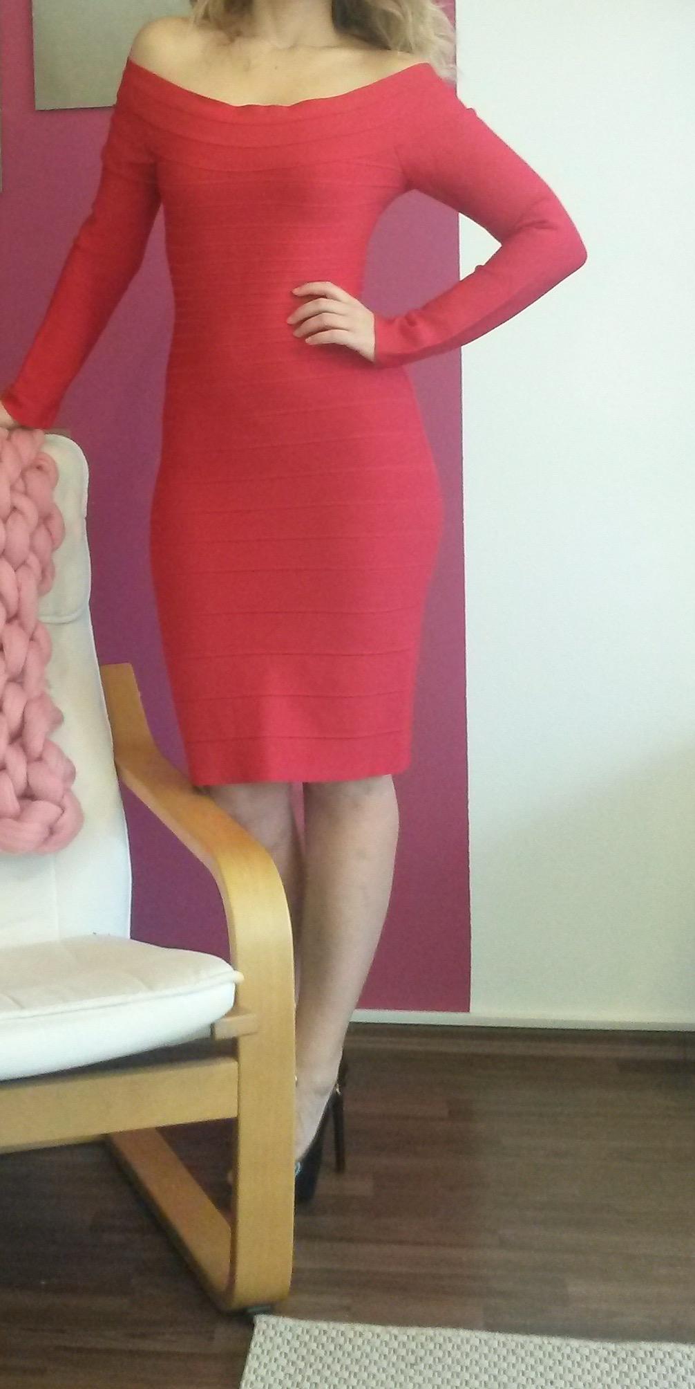 214d91255 Ponúkam na predaj krásne bandážové šaty-velkosť S-M. Zvýrazňujú siluetu a  tvarujú postavu. V prípade záujmu ma prosím neváhajte kontaktovať.